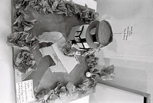 """NAKET. """"Badning utan baddräkt tillåten"""" – en tonårsdröm från tidigt 70-tal. Förslag från Gisela Edquist och Britt-Marie Jonsson."""