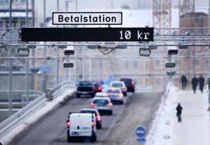 Systemet med trängselskatt infördes först som ett försök i januari 2006 i Stockholm, för att efter ett halvår permanentas. Från och med årsskiftet kommer Göteborg att införa samma system.
