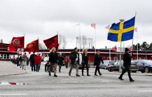 Ett hundratal anslöt sig till Socialdemokraternas 1:a-majtåg i Strömsund och tåget hade en väldigt ung prägel med flertalet ungdomar och barnfamiljer.