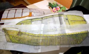 Originalritningar. Harry Alopaeus har gjort noggranna skisser efter de uppmätta vrakdelarna. Engmanvraket var ett stort fartyg för sin tid, nästan 30 meter långt och åtta meter brett. Lastutrymmets djup var cirka 3,5 meter och hon hade en lastkapacitet på 130–180 ton.