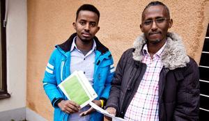 Liban Abdi och Iman Mohamed är trötta på felutdelad post. De berättar att posten flera gånger i veckan hamnar i fel brevinkast och de är oroliga för att missa viktiga meddelanden.