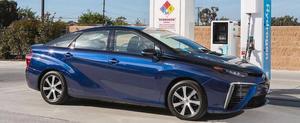 Toyota Mirai har en räckvidd på 50 mil. Priset börjar på vid 57 500 dollar i USA. Kommer till Sverige nästa år.
