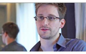 Edward Snowden från USA är för tillfället på flykt och söker asyl i flertalet länder runt om i världen. Foto: Glenn Greenwald & Laura Poitras