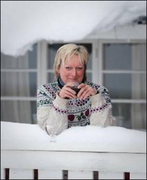 Karin Lamberg har sadlat om från längdåkare, hotelldirektör till att bli författare.   Foto: Vargen