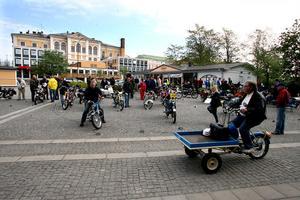 Det vimlade av tvåhjulingar, alla äldre än 30 år. I år var 41 fordon anmälda till rallyt.