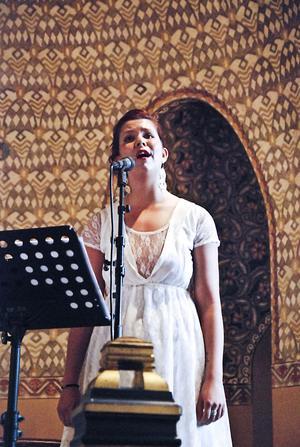 Edit Åkerman bjöd på vackra toner i Bergviks kyrka.