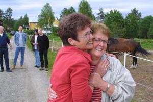 Det var i Tjärnvik i Gnarp som Marianne Hähn och Ulla-Britt Öberg träffades som barn.