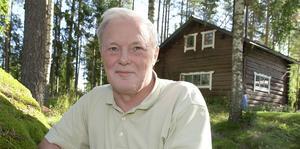 """besvikna medlemmar. Det är ungefär 6 000 pensionärer i Gävleborg som drabbas när Folksam sänker ersättningen vid dödsfall.  """"Mest drabbar det här de äldsta kvinnorna. Kvinnor lever längre och flera har små marginaler att leva på"""", säger Axel Andersson, ordförande i PRO Gävleborg."""