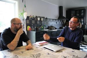 Jonnie Hedqvist tyckte det var roligt att ta emot luffaren Johan B Löfquist. - Vi har haft väldigt intressanta samtal, säger han.