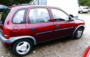 I denna Opel Corsa upptäcktes mannen.