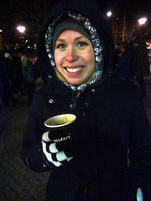 Linnea Jonsson, en av 100 utvalda vintertrampare, cyklar för att få vardagsmotion.