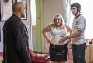 Mark Strong, Rebel Wilson och Sacha Baron Cohen i