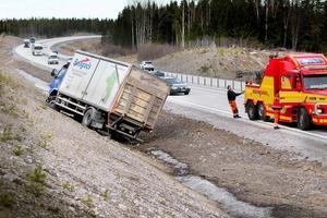 Den åtalade stal en lastbil i Hudiksvall den 23 mars. Färden tog slut i ett dike vid E4.