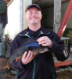 Roland Nilsson, Östersund, vann  öppna klassen vid Boggsjöpimpeln  med sju abborrar på totalt 1 435 gram.  Den största var på hela 1 187 gram.