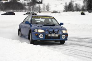 Lars Eleverovski hade särskilda isdäck till sin bil.