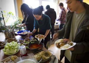 Det bjöds på mycket turkisk mat på Forsa folkhögskola.