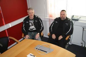 Anders Gillebert, till vänster, och Anders Fernlund önskar fler innebandydomare i Hälsingland.