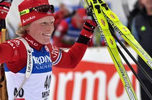Det fanns snabba åkare kvar, men Tora Berger som tidigare i karriären har två andraplatser i Anterselva drog sig inte för ett tidigt segerjubel i torsdagens sprinttävling.  Foto: Hans-Råger Bergström