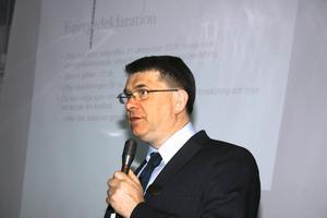 Roland Karlsson från Fastighetsbyrån gick igenom hur man säljer hus.