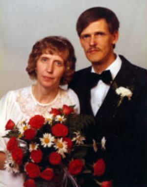 Britt-Marie, född Berg, och Bernt Nylund, Sundsvall, firar i dag silverbröllop. De vigdes den 20 juni 1980 i Bergsjö kyrka.Foto: