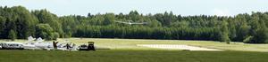Vissa tävlande nådde inte lika långt som Robert Klasson som nådde runt tävlingsbanan och landade på Arboga flygfält. Foto: Ulf Eneroth