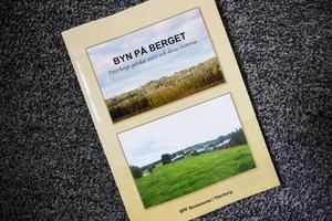 Boken som  SPF Seniorerna i Ytterberg har sammanställt och gett ut  presenterar 154 gårdar i Ytterberg, Sundsätt, Solnan och Extjärn. Boken är rikligt illustrerad med äldre och nyare bilder på gårdarna och kartor.