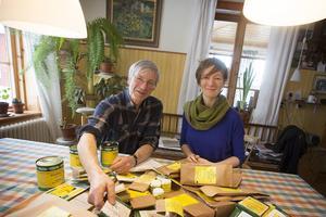 Lars och Jorun Olsson odlar allt ekologiskt på Ås trädgård.