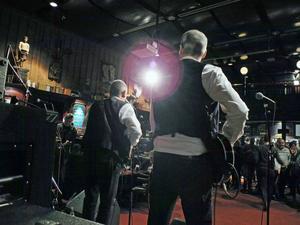 När Borlänges musiker har firmafest uppträder ett trettiotal band på tre scener under en kväll.