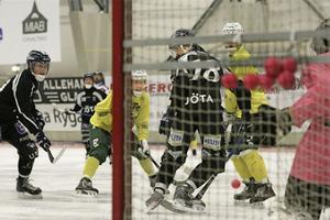 Jonas Engström gjorde två mål för Ljusdal i träningsmatchen mot Sirius.
