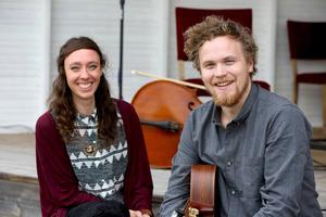 Liz Almqvist och David Rönnegård spelade under onsdagskvällen i Gagnef men åker om en vecka till festivalen The Brave i Amsterdam.