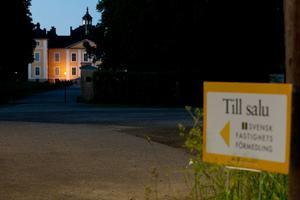 Maken och jag var ute och nattfotograferade i det natursköna Strömsholm. Kunde bara inte låta bli detta motiv.