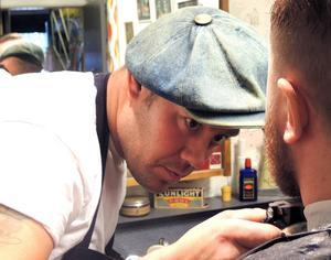 Niklas Landucci har frisörverksamheten som hobbyprojekt.