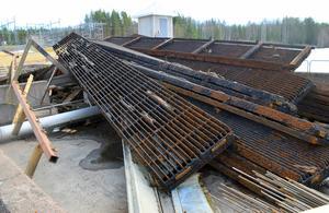 Delar av de halvsekelgamla grindarna har med åren blivit rostangripna.