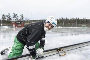 Veteranen Ilkka Kemppainen har spelat många matcher på Odenvallen. Nu får han äntligen vara med vid flytten till den nya konstfrusna anläggningen.