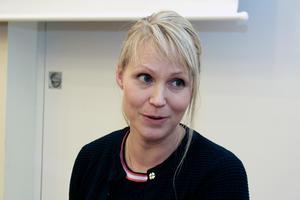 Nämndens ordförande Hanna Lindgren (S) ställer sig positiv till att det utreds om kommunala verksamheter kan flyttas till Grängesberg och Brunnsvik.