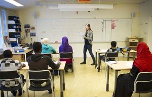 M menar att Västerås har en dålig kartläggning av nyanlända elever