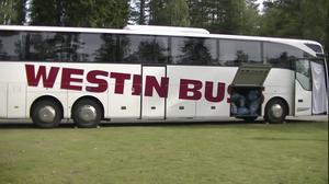 Bussen som ett antal asylsökande i Krokströmmen vägrade att kliva av.