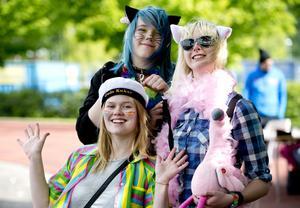 Victoria Åslin, Ida Hamrin och Emmy Asklöf är musikesteter och tillhörde pridegänget.