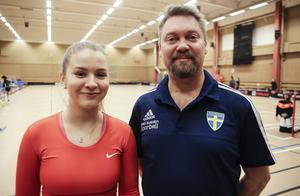 Melina Sundström är poängdrottning och Johnny Olofsson är tränare.