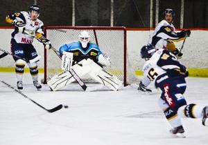 I hemmapremiären mot Borlänge var målvakten Magnus Persson återigen S/L:s bästa spelare. Precis som i bortamatchen mot Ore.