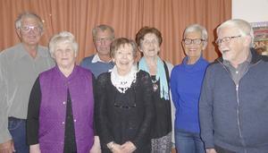 Här ser vi den nya styrelsen i PRO Torvalla, från vänster Erland Eriksson, AnnMarie Hallqvist, Josef Englsperger, Anita Bohlin, Maria Frank, Ulla Englsperger och John Larsson. Anna Rääf saknas på bilden. Foto: Ulla Eriksson.