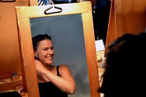 Ulrika Karlsson är en av ett fyrtiotal statister i Elektra.