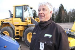 Lasse Burefjord visade upp sina maskiner som använts i saneringsarbetet.