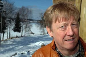 Miljöminister Andreas Carlgren bjuds in för att se på terrängkörningsproblem i fjällmiljö sedan han nyligen sagt att det inte är aktuellt med några åtgärder från regeringens sida. Foto: Hans-Råger Bergström