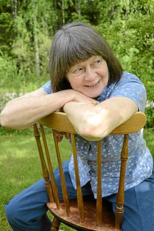 Lekfullheten. Hon kan konsten att se livet från den ljusa sidan och hitta möjligheterna. Med bevarat barnasinne och nyfikenhet möter Majvor Nilsson sin omgivning.
