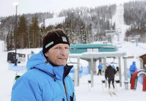 Jens Wilhelmsson lägger banor och var med och fattade beslutet att ställa in på lördagen. Men han räknar med fint underlag till söndagens tävlingar.