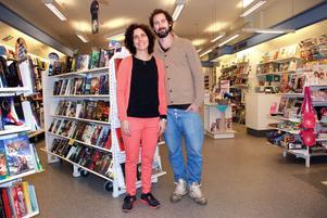 En nära, personlig bokhandel med egen bokklubb har Alexander och Lina Zackrisson.