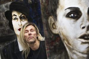 Bland överlevande. Peter Endahl i sin utställning