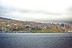 Konkurrens på gräddhyllan. Många villor i Lerdal säljs för tre miljoner kronor.