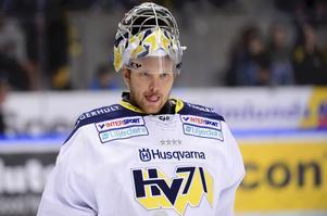 Salasonen Erik Ersberg vänder hemåt under torsdagen för att hålla i Sala Hockeys målvaktsträning.